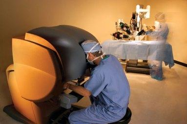 Le robot-chirurgien da Vinci D.R.